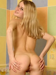 Skinny teen blonde showing it all